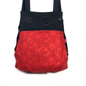 mochila de tela roja
