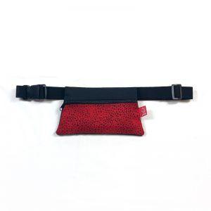 riñonera roja de tela