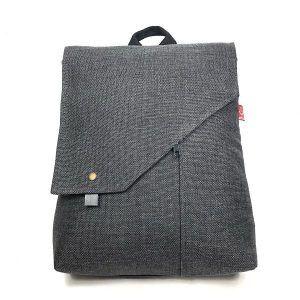 mochila hecha de tela reciclada sostenible nordik horchata