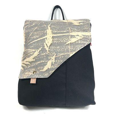 mochila de tejido ecologico con estampado eco print